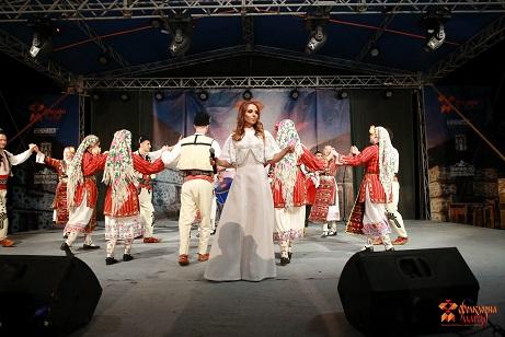 Радостина Паньова на Фолклорна магия Банско